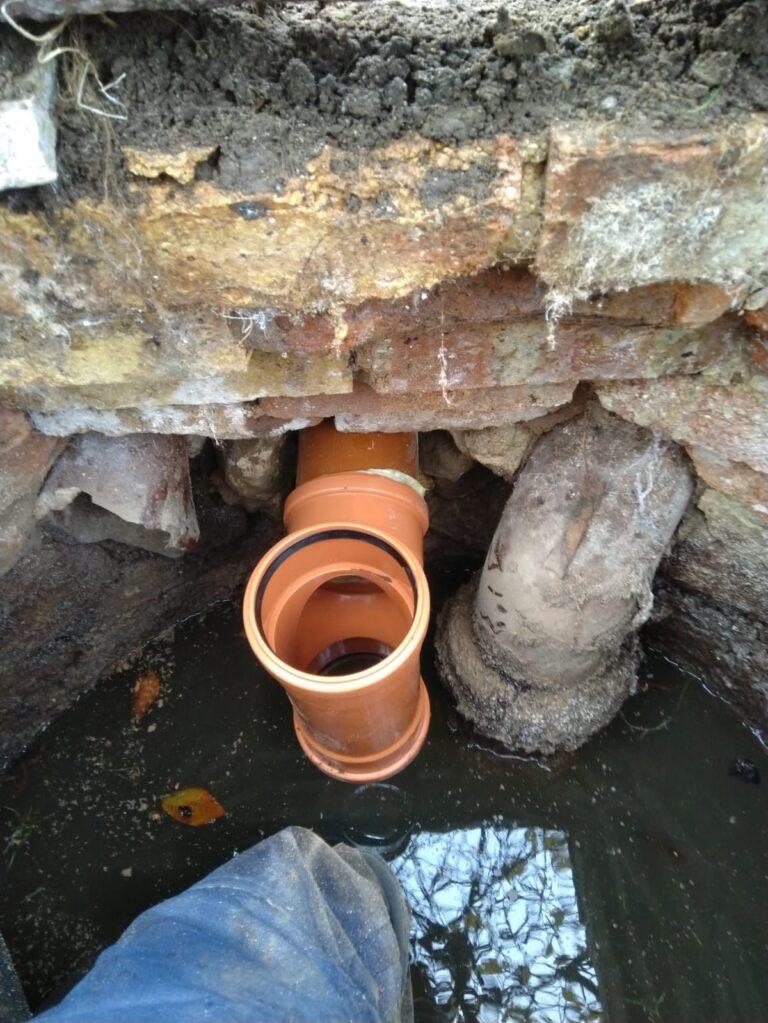 septic tank pipework