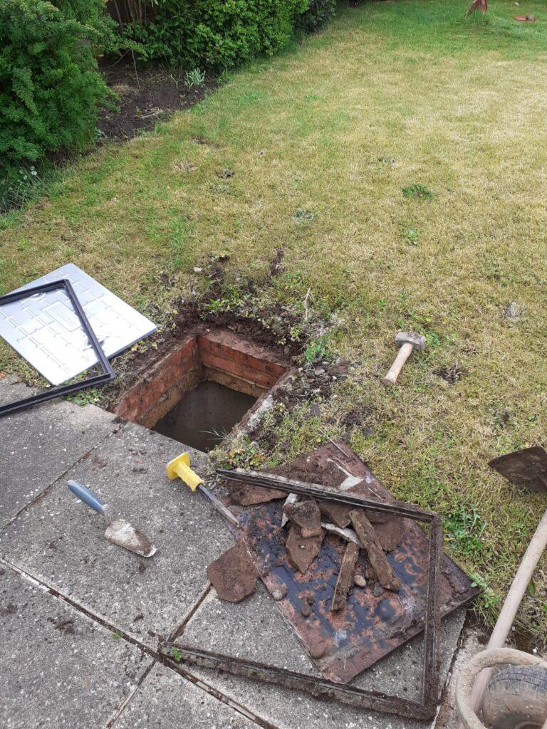 manhole cover installation